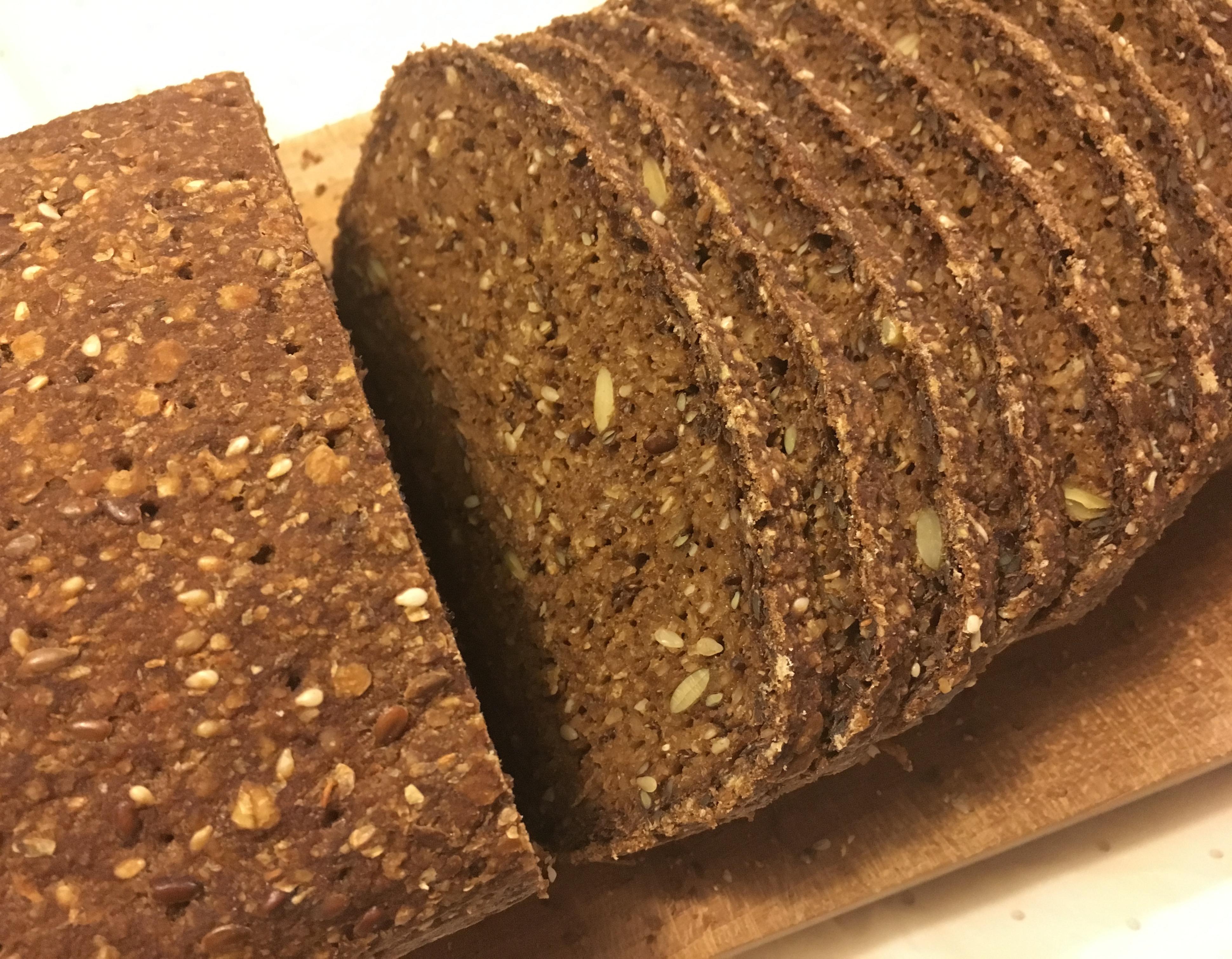 """Godt og glutenfrit """"rug""""brød"""