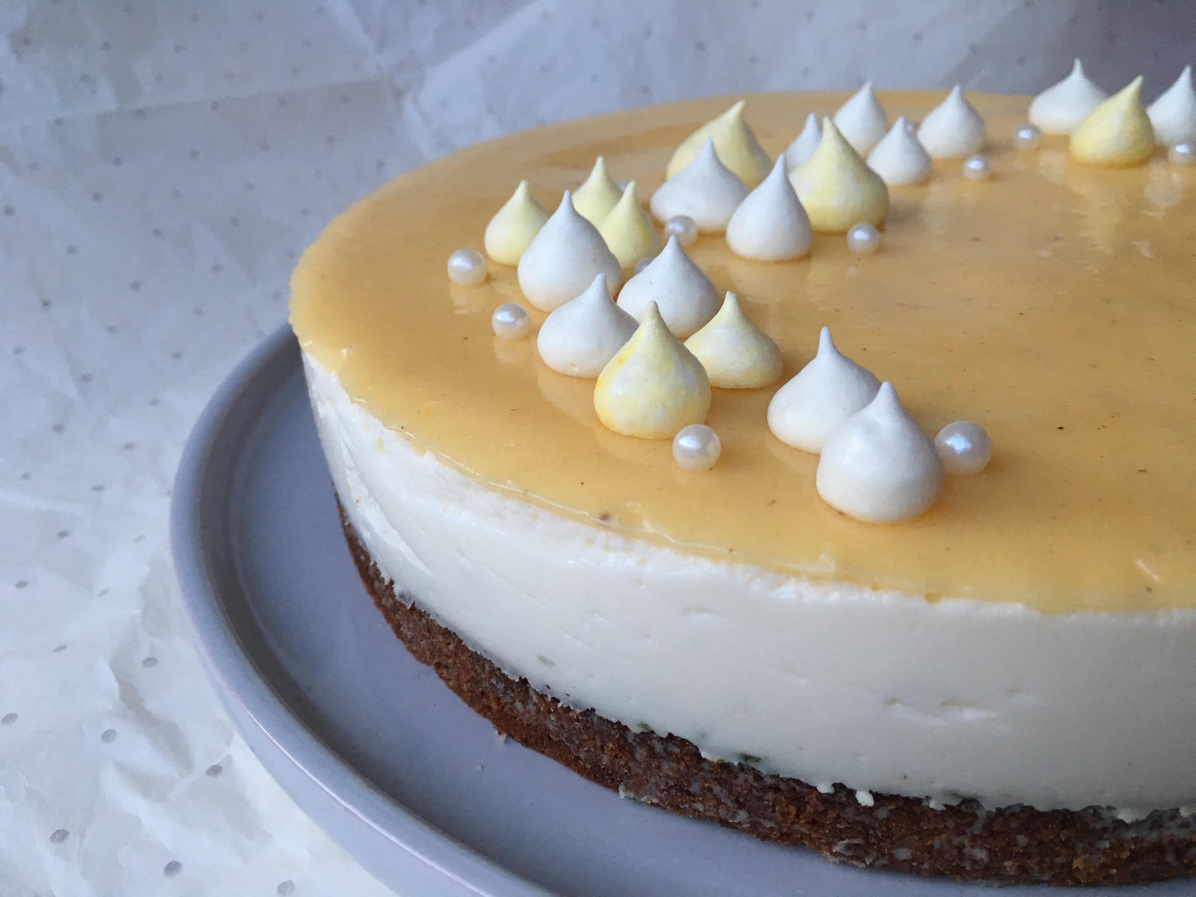 Cheesecake med lime og hyldeblomst – glutenfri