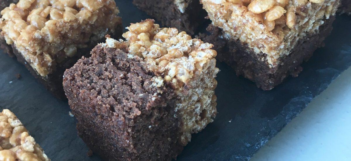 Choko knas – glutenfri brownie med knasende top