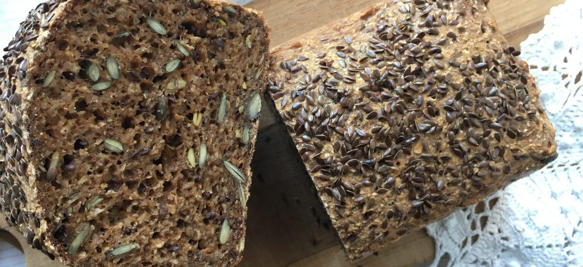 Lækkert glutenfrit 'rug'brød på den hurtige måde