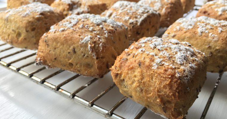 Surdejsboller med hørfrø – glutenfri og mælkefri